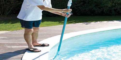 Quand pourquoi et comment utiliser un balai de piscine for Balai fond de piscine