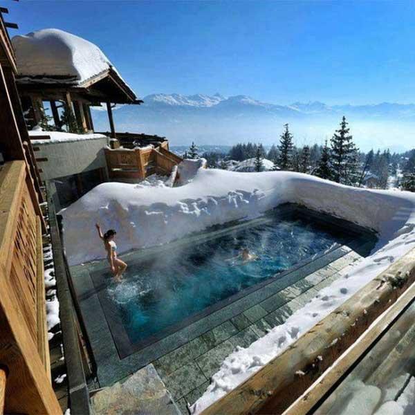 se baigner et profiter de sa piscine en hiver certains le font pourquoi pas vous. Black Bedroom Furniture Sets. Home Design Ideas