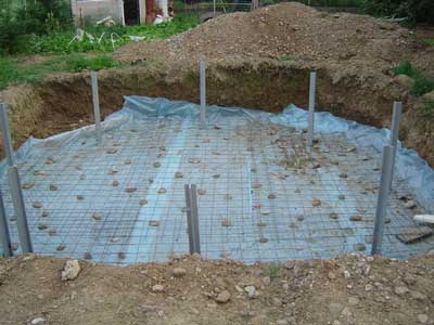 Piscine bois semi enterr e conseil astuces montage for Construction piscine semi enterree bois