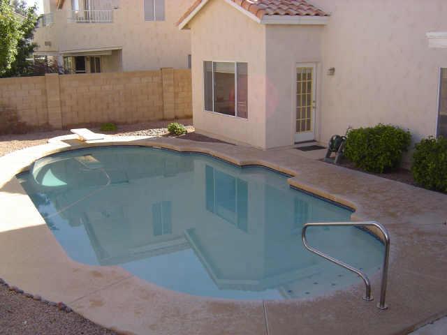 piscine-phoenix1980s-1