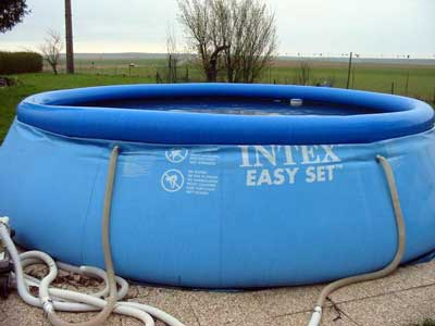Les diff rents syst mes d 39 tanch it de piscine for Piscine en plastique