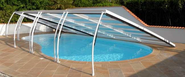 Abri plat caract ristiques avantages inconv nients for Abri piscine relevable