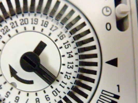 Comment programmer l 39 horloge de filtration de sa piscine - Compteur electrique comment ca marche ...