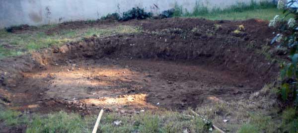 Installer une piscine hors sol la pr paration du terrain for Piscine hors sol sur terrain en pente