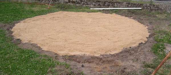 Installer une piscine hors sol la pr paration du terrain for Sable pour piscine hors sol