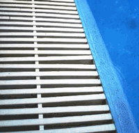 grille-protection-debordement-piscine