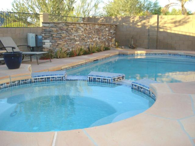 Evolution design piscines phoenix arizona usa ann es 2000 for Piscine 2000