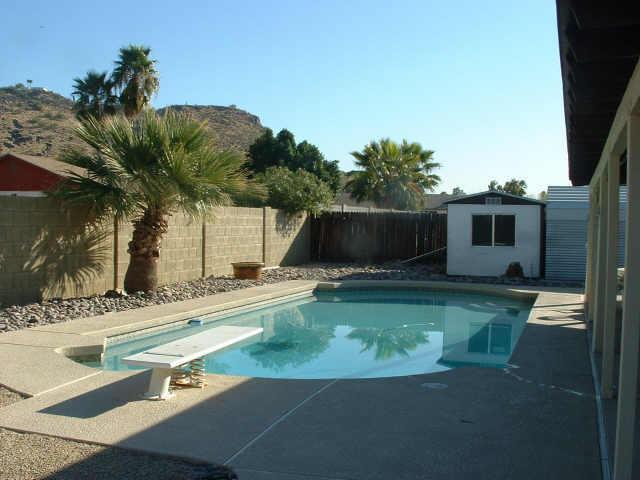 piscine-phoenix1970b