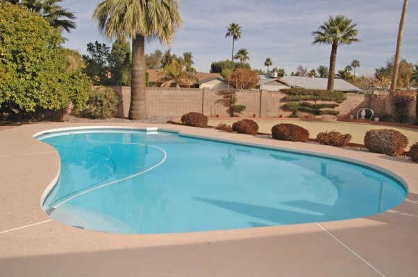 piscine-phoenix1970d