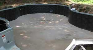 fond-piscine-cuillere-incurve