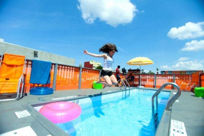 piscine mobile comment d tourner une benne ordures pour en faire une piscine. Black Bedroom Furniture Sets. Home Design Ideas