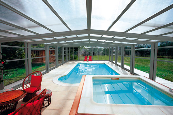 Abri de piscine avantages inconv nients for Avantage service piscine