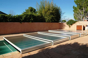 abri piscine escamotable