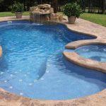 Quels aménagements choisir pour sa piscine coque ?
