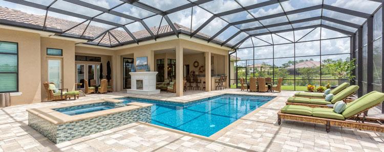 Abri de piscine de forme droite avantages inconv nients for Abri de piscine kokoon