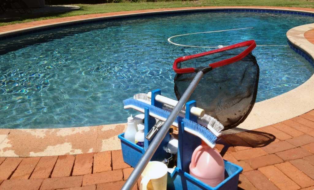 Entretien de piscine 2 for Entretien de piscine