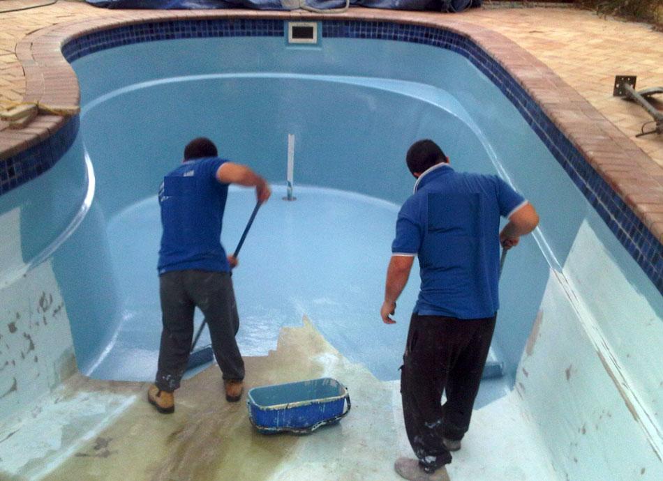 Comment repeindre une piscine coque for Peinture de piscine