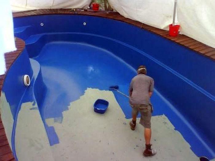 Comment repeindre une piscine coque for Peinture pliolite pour piscine