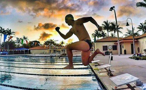 sauter-dans-la-piscine