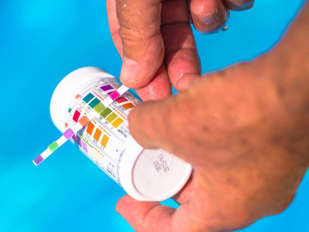 bandelettes de test pour eau de piscine