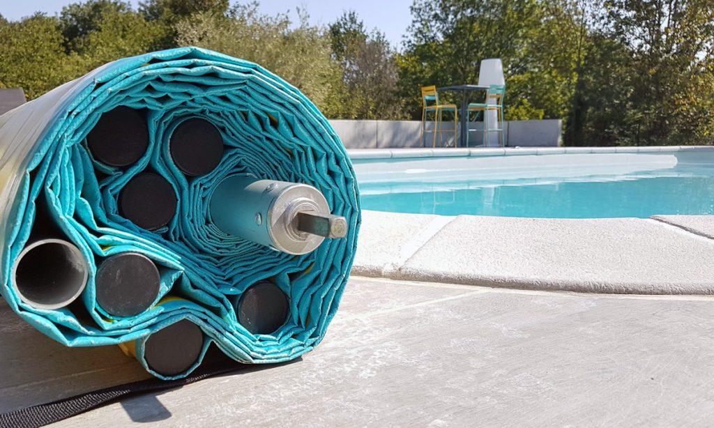 bache-a-barre-piscine-enroulee